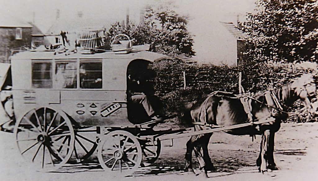john-holmes-horse-vehicle-before-closure-in-1922